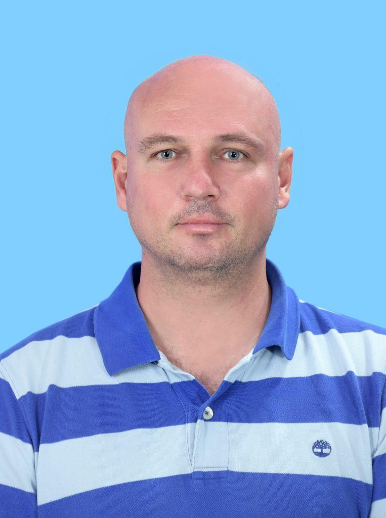 Треньор по футбол Витали Мюлер